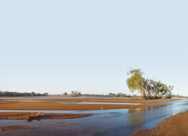 Intermittent flooding of the Gascoyne River rejuvenates surficial aquifers